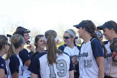 Photo Gallery : Softball vs. Piper: April 23